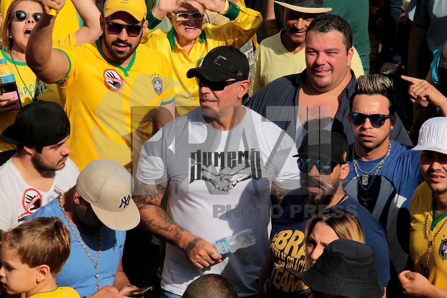 SÃO PAULO,SP, 16.08.2015 - PROTESTO-SP - O ator Alexandre Frota é visto durante ato contra o governo Dilma Rousseff (Partido dos Trabalhadores) na Avenida Paulista em São Paulo, neste domingo, 16. (Foto Marcio Ribeiro / Brazil Photo Press)
