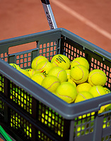 Amstelveen, Netherlands, 10 August 2020, NTC, National Tennis Center, Cart with balls <br /> Photo: Henk Koster/tennisimages.com