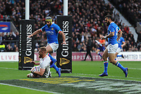 Brad Shields of England scores a try during the Guinness Six Nations match between England and Italy at Twickenham Stadium on Saturday 9th March 2019 (Photo by Rob Munro/Stewart Communications)