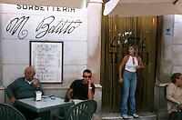 Europe/Italie/La Pouille/Martina Franca: Au café Tripoli