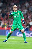 FC Barcelona Jasper Cillesen celebrating a goal during King's Cup Finals match between Sevilla FC and FC Barcelona at Wanda Metropolitano in Madrid, Spain. April 21, 2018.  *** Local Caption *** © pixathlon<br /> Contact: +49-40-22 63 02 60 , info@pixathlon.de