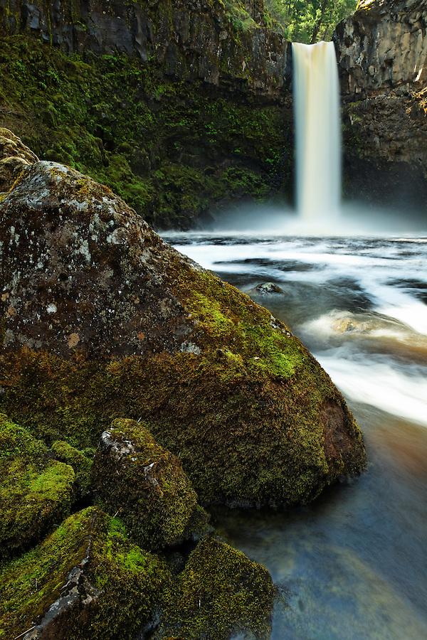 Outlet Creek plumets over Outlet Falls, Glenwood, Washington, USA