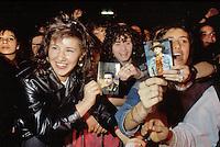 - giovani fans ad un concerto del cantante Lorenzo Jovanotti (Milano, aprile 1989)<br /> <br /> - young fans during a concert by singer Lorenzo Jovanotti (Milan, April 1989)