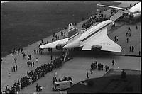 Saint-Martin du touch (Haute-Garonne). 10 Mai 1973. Vue de la foule pour la présentation d'Airbus et de Concorde.