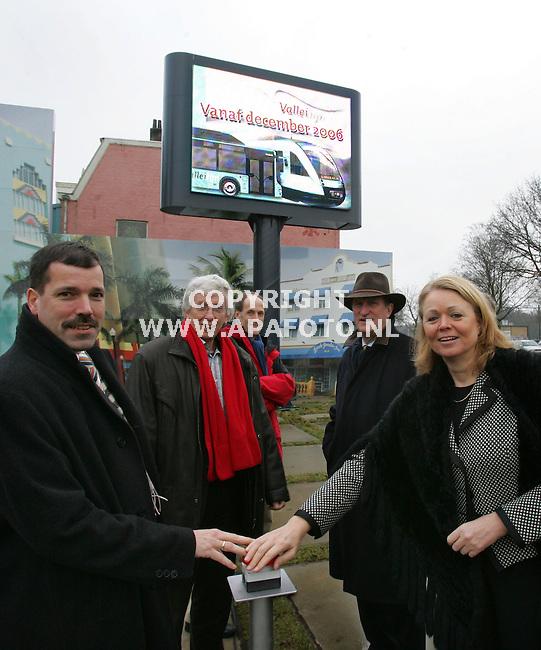 Ede, 160206<br />Marijke van Haren opent de presentatie van de promoclip Valleilijn.<br />Foto: Sjef Prins - APA Foto