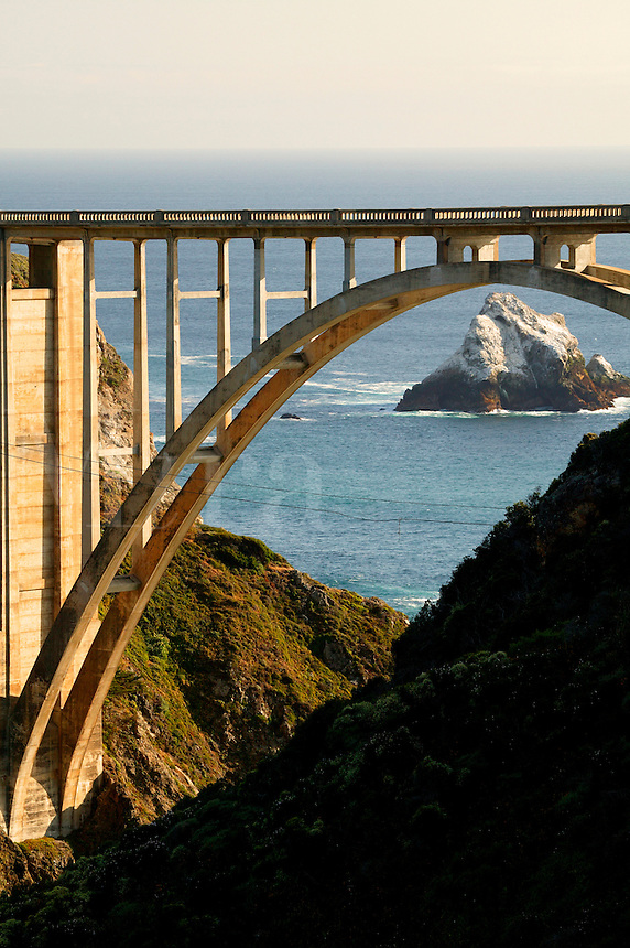 Bixby Bridge and Highway 1 along the Central Coast, Big Sur, California.