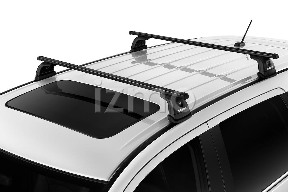 High angle top sport rack on a 2011 Mitsubishi Outlander GT