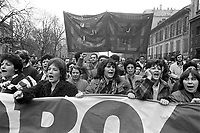 - sciopero generale contro i licenziamenti a Milano (1984) ....- general strike against the dismissals in Milan (1984)