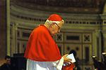 CARDINALE BERNARD FRANCIS LAW <br /> MESSA DI RINGRAZIAMENTO PER I 50 ANNI DI SACERDOZIO DEL CARDINAL CAMILLO RUINI - SAN GIOVANNI IN LATERANO ROMA 2004