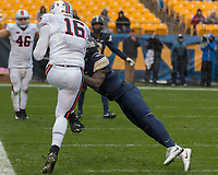 Virginia tight end Richard Burney (16) makes a two yard touchdown catch.The Pitt Panthers defeated the Virginia Cavaliers 31-14 at Heinz Field, Pittsburgh, PA on October 28, 2017.