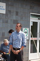 Manifestation  dénonçant la délocalisation de la clinique sans rendez vous à 20 km soit à St-Jean-Sur-Richelieu, Samedi 25 Août 2018 , devant le Clsc de Richelieu.<br /> <br /> Personnalité présentes:<br /> - Monsieur Picard du PQ (dans Chambly)<br /> - Monsieur Dionne du PQ (dans Iberville)<br /> - Monsieur Roberge de CAQ (dans Chambly)<br /> <br /> PHOTO : Agence Quebec Presse