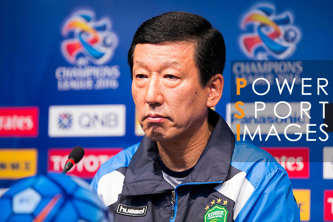 Choi Kang-Hee, head coach of Jeonbuk Hyundai Motors (KOR), attends a press conference ahead of their AFC Champions League 2016 Semi Final match against FC Seoul (KOR) at Seoul World Cup Stadium on 18 October 2016, in Seoul, South Korea. Photo by Victor Fraile / Power Sport Images