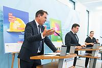 Bundesminister fuer wirtschaftliche Zusammenarbeit und Entwicklung, Dr. Gerd Mueller, CSU (links im Bild), und der Bundesminister fuer Arbeit und Soziales, Hubertus Heil, SPD (rechts im Bild), luden am Dienstag den 14. Juli 2020 in Berlin zu einer gemeinsamen Pressekonferenz ein, um die Ergebnisse des Monitorings im Rahmen des Nationalen Aktionsplans Wirtschaft und Menschenrechte (NAP) zu kommentieren.<br /> 14.7.2020, Berlin<br /> Copyright: Christian-Ditsch.de<br /> NUR FUER REDAKTIONELLE ZWECKE! Werbung nur auf Anfrage beim Fotografen. [Inhaltsveraendernde Manipulation des Fotos nur nach ausdruecklicher Genehmigung des Fotografen. Vereinbarungen ueber Abtretung von Persoenlichkeitsrechten/Model Release der abgebildeten Person/Personen liegen nicht vor. NO MODEL RELEASE! Don't publish without copyright Christian-Ditsch.de, Veroeffentlichung nur mit Fotografennennung, sowie gegen Honorar, MwSt. und Beleg. Konto: I N G - D i B a, IBAN DE58500105175400192269, BIC INGDDEFFXXX, Kontakt: post@christian-ditsch.de<br /> Bei der Bearbeitung der Dateiinformationen darf die Urheberkennzeichnung in den EXIF- und  IPTC-Daten nicht entfernt werden, diese sind in digitalen Medien nach §95c UrhG rechtlich geschuetzt. Der Urhebervermerk wird gemaess §13 UrhG verlangt.]