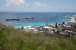 Fuel Port & Fuel Cargo Ships, Cay Bay