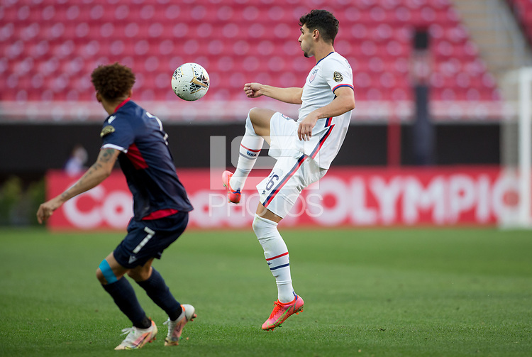 ZAPOPAN, MEXICO - MARCH 21: Johnny Cardoso #16 of the United States passes off the ball during a game between Dominican Republic and USMNT U-23 at Estadio Akron on March 21, 2021 in Zapopan, Mexico.