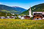 Oesterreich, Salzburger Land, Pinzgau, Zillertal Arena, Krimml: Ortsansicht mit Dorfkirche | Austria, Salzburger Land, Pinzgau, Zillertal Arena, Krimml: with village church