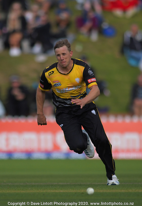 Logan Van Beek chases the ball during the Dream11 Super Smash cricket final between the Wellington Firebirds and Auckland Aces at Basin Reserve in Wellington, New Zealand on Sunday, 19 January 2020. Photo: Dave Lintott / lintottphoto.co.nz