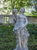Statue der Ceres im barocken Magdalenengarten in Hildesheim, Niedersachsen, Deutschland, Europa<br /> Statue of Ceres in baroque Magdalen Garden in Hildesheim, Lower Saxony, Germany, Europe