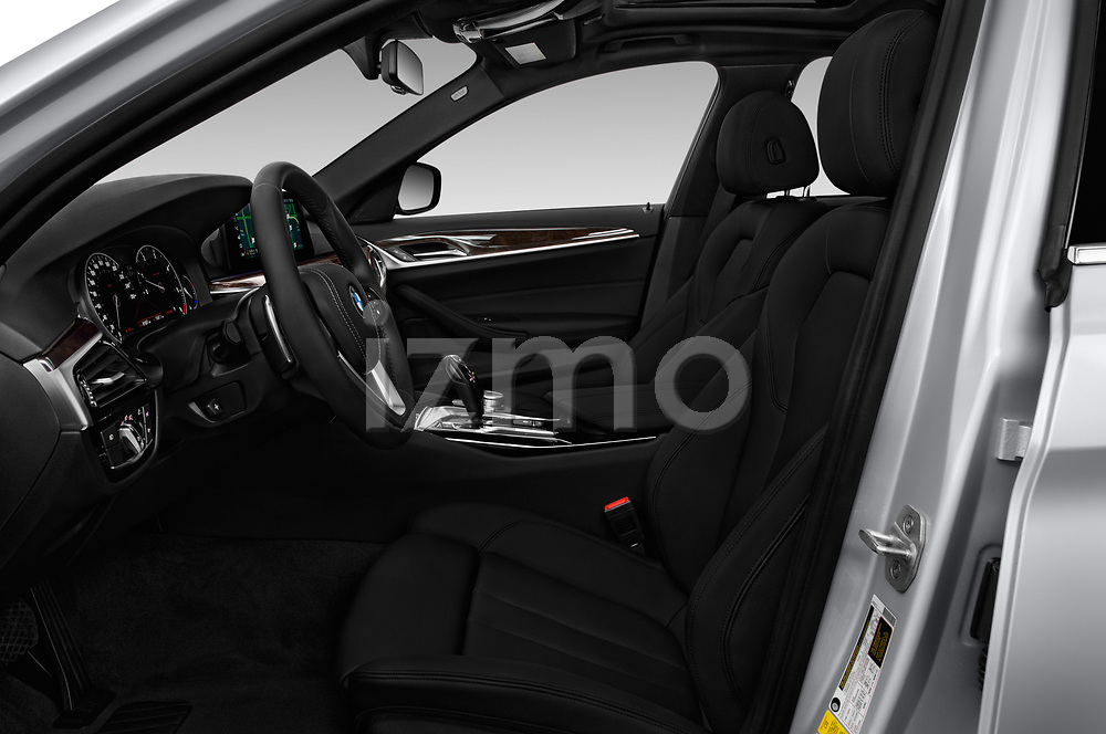 Front seat view of a 2018 BMW 5 Series 530i 2WD 4 Door Sedan front seat car photos
