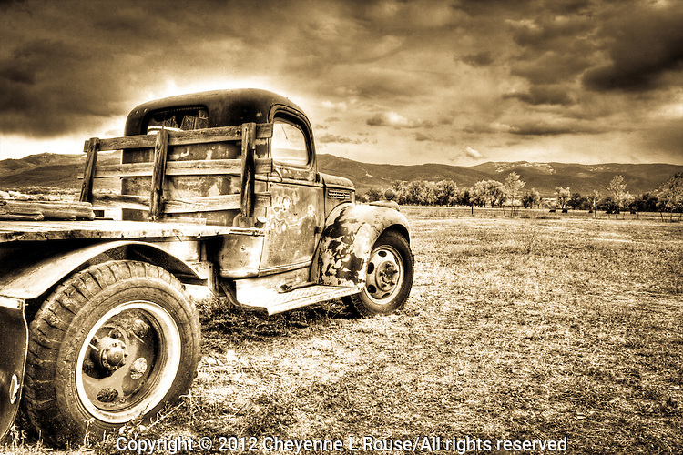 Taos GMC Truck - New Mexico (sepia)