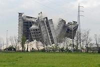 """- demolition of """"Blue Residence"""" hotel, built for the World Cup Soccer Championships in 1990 and never completed, for the destruction were used 400 kilos of explosives....- demolizione dell'albergo """"Blue Residence"""", costruito per i Campionati Mondiali di calcio del 1990 e mai completato, per la distruzione sono stati usati 400 chili di esplosivo"""