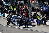 #19: Brandon Jones, Joe Gibbs Racing, Toyota Camry Toyota XYO Networks pit stop