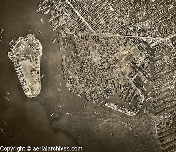 historical aerial photo Brooklyn, Governor's Island, New York City, 1943