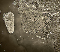 historical aerial photo Brooklyn, Governor's Island, New York City, 1943