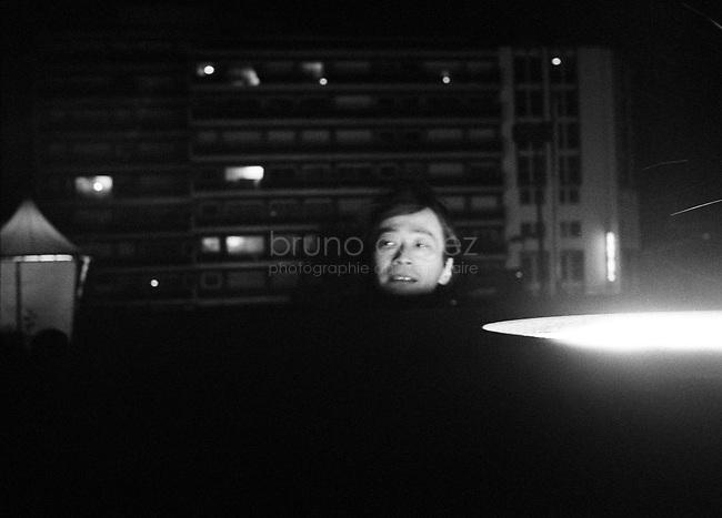 FRANCE, Paris, 4 Octobre 2008.Tour Montparnasse - Spectra.Spectra pour la lumière blanche et intense. Matrix pour le son qui chantera au gré des évolutions du public. Une double installation de l'artiste musicien japonais Ryoji Ikeda, qui rend hommage à la plus haute tour de Paris. Portrait de Ryoji Ikeda..FRANCE, Paris, October 4th 2008..Spectra for white light and intense. Matrix for the sound that will sing at the mercy of developments in the public. A double installation of the artist Ryoji Ikeda Japanese musician, which honors the highest tower in Paris. Portrait of Ryoji Ikeda..© Bruno Cogez