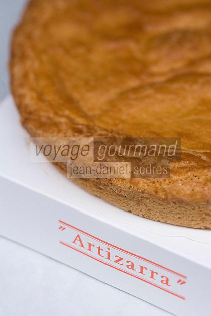 """Europe/France/Aquitaine/64/Pyrénées-Atlantiques/Saint-Jean-Pied-de-Port: Gâteau basque de la Patisserie Barbier-Millox """"Artizarra"""""""