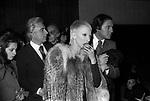 RENZO ARBORE CON MARIANGELA MELATO<br /> TEATRO SISTINA ROMA 1973