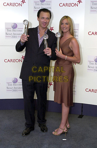 MARTIN KEMP & TAMZIN OUTHWAITE.25/05/2001: London.The British Soap Awards 2001.Copyright: Phil Loftus/Capital Pictures.*please credit all uses*.sales@capitalpictures.com.www.capitalpictures.com.
