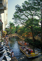 AJ1839, San Antonio, Texas, outdoor cafe, riverwalk, river, Boat tours cruise down the river next to the Paseo Del Rio or Riverwalk in San Antonio.
