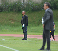 ITAGüI - COLOMBIA, 27-10-2018:Amaranto Perea director técnico de Leones durante encuentro contra el  Independiente Santa Fe  partido por la fecha 17 de la Liga Águila II 2018 jugado en el estadio Metropolitano de Itagüi de la ciudad de Medellín. / Amaranto Perea coach  of   Leones   agaisnt  of  Independiente Santa Fe  during the match for the date 17 of the Liga Aguila II 2018 played at the Metropolitano de Itagui Stadium in Medellin city. Photo: VizzorImage / León Monsalve  / Contribuidor