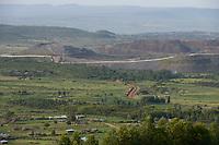 TANZANIA, Tarime Distrikt, Nyamongo, canadian Barrick Gold's subsidiary Acacia Mara Gold Mine, view to overburden disposals / TANSANIA, Blick auf Abraumhalden der Acacia Gold Mine im Afrikanischen Grabenbruch