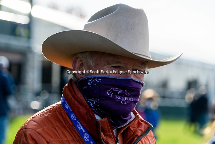 November 5, 2020: An attendee enjoys the trackside marquee at Keeneland Racetrack in Lexington, Kentucky on November 5, 2020. Scott Serio/Eclipse Sportswire/Breeders Cup/CSM