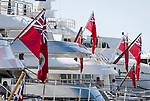 Fuerstentum Monaco, an der Côte d'Azur, Stadtteil La Condamine: Luxusyachten im Port Hercule unter der Flagge der Cayman Islands | Principality of Monaco, on the French Riviera (Côte d'Azur), district La Condamine: luxury yachts in Port Hercule under Cayman Islands' flag