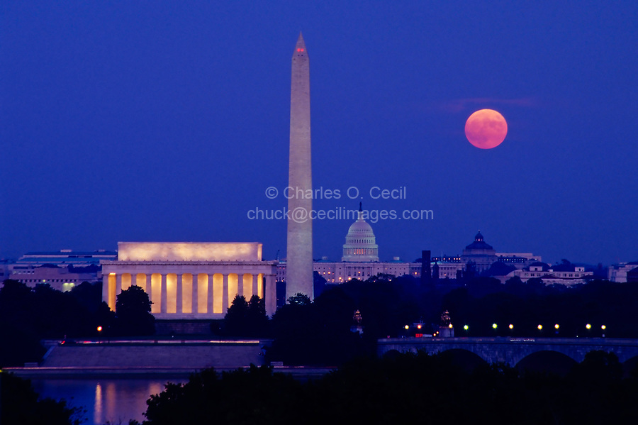 Moonrise over Lincoln Memorial, Washington Monument, Capitol, Washington, DC, at dusk.
