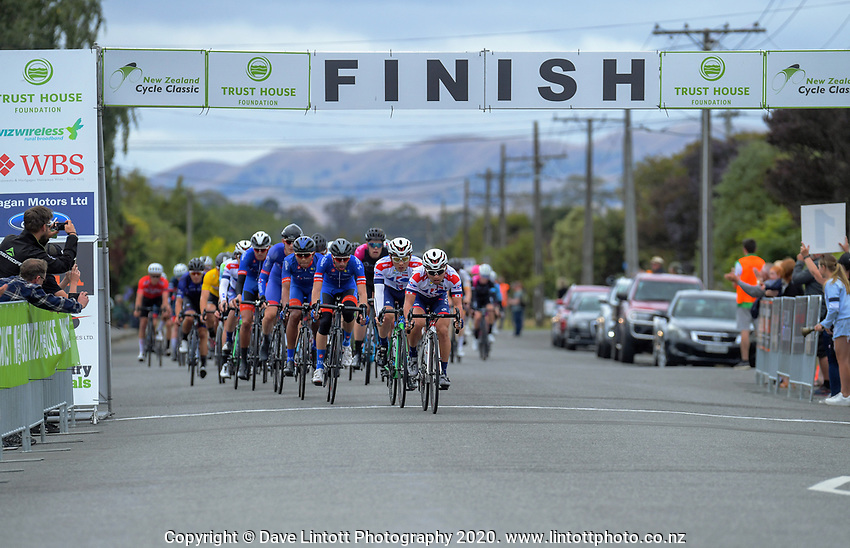 Riders start the final lap circuit lap stage three of the NZ Cycle Classic UCI Oceania Tour (Martinborough circuit) in Wairarapa, New Zealand on Friday, 17 January 2020. Photo: Dave Lintott / lintottphoto.co.nz