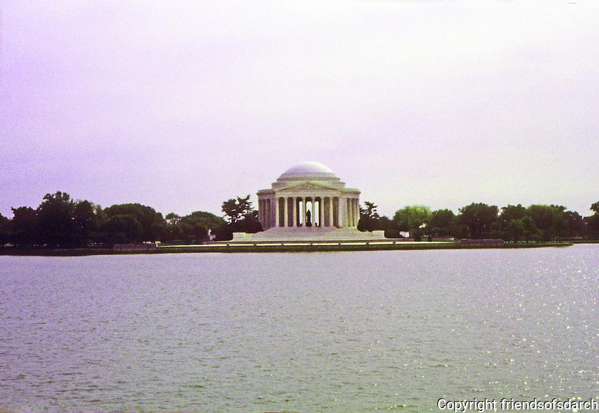 Washington D.C. : Jefferson Memorial. Photo '91.