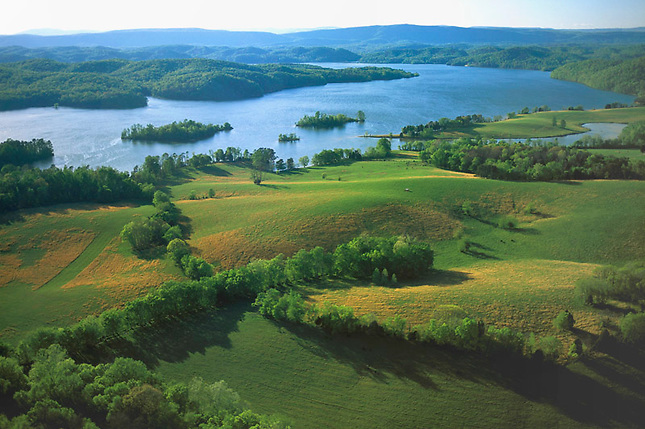 Wattsbar Lake and pastures