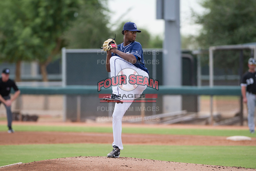 San Diego Padres pitcher Henry Henry (28) delivers a pitch to the plate during an Instructional League game against the Chicago White Sox on September 26, 2017 at Camelback Ranch in Glendale, Arizona. (Zachary Lucy/Four Seam Images)