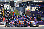 2017 Monster Energy NASCAR Cup Series<br /> O'Reilly Auto Parts 500<br /> Texas Motor Speedway, Fort Worth, TX USA<br /> Sunday 9 April 2017<br /> Denny Hamlin, FedEx Office Toyota Camry, makes a pit stop<br /> World Copyright: John K Harrelson/LAT Images<br /> ref: Digital Image 17TEX1jh_04007