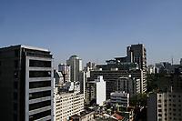 SÃO PAULO, SP, 24.09.2020: CLIMA-POLUIÇÃO-AR-SP - Clima seco e com camada de poluição na cidade de São Paulo, vista da avenida Paulista, região central da capital, na manhã desta quinta-feira, 24 de Setembro. (Foto: Fábio Vieira/FotoRua)