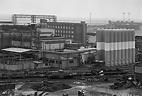 - Genova, l'acciaieria Italsider di Cornigliano nell'aprile 1986 , prenderà la denominazione di ILVA nel 1988 quando Italsider e Finsider saranno messi in liquidazione e scompariranno<br />
