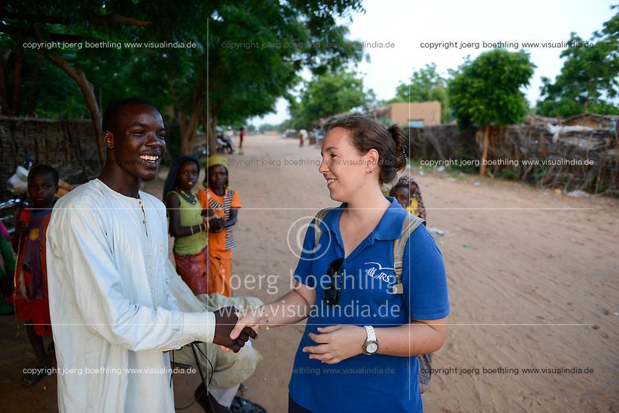CHAD, Goz Beida, refugee camp Djabal for refugees from Darfur, Sudan / TSCHAD, Goz Beida, Fluechtlingslager Djabal fuer Fluechtlinge aus Darfur, Sudan, JRS Mitarbeiterin Joana Gomes