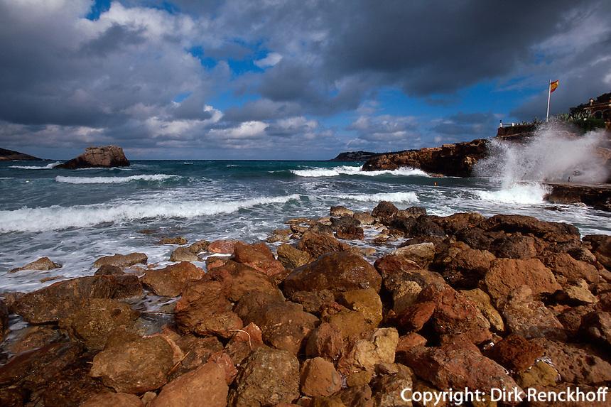 Spanien, Balearen, Ibiza, Bucht von Cala Xarraca