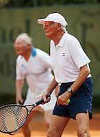 24-8-07, Velp, Tennis, Nationale  Veteranen Tennis Kampioenschappen 2007, Heren Dubbel 80+ Cees Marre (voorgrond) en Frans Goosen
