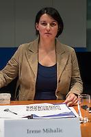 2. NSU-Untersuchungsausschuss dees Deutschen Bundestag.<br /> Aufgrund vieler Ungeklaertheiten und Fragen sowie vielen neuen Erkenntnissen ueber moegliche Verstrickungen verschiedener Geheimdienste in das Terror-Netzwerk Nationalsozialistischen Untergrund (NSU) wurde von den Abgeordneten des Bundestgas ein zweiter Untersuchungsausschuss eingesetzt.<br /> Am Donnerstag den 17. Dezember fand die 1. oeffentliche Sitzung des 2. NSU-Untersuchungsausschuss des Deutschen Bundestag statt.<br /> Im Bild: Irene Mihalic, Obfrau von Buendnis 90/Die Gruenen im Ausschuss.<br /> 17.12.2015, Berlin<br /> Copyright: Christian-Ditsch.de<br /> [Inhaltsveraendernde Manipulation des Fotos nur nach ausdruecklicher Genehmigung des Fotografen. Vereinbarungen ueber Abtretung von Persoenlichkeitsrechten/Model Release der abgebildeten Person/Personen liegen nicht vor. NO MODEL RELEASE! Nur fuer Redaktionelle Zwecke. Don't publish without copyright Christian-Ditsch.de, Veroeffentlichung nur mit Fotografennennung, sowie gegen Honorar, MwSt. und Beleg. Konto: I N G - D i B a, IBAN DE58500105175400192269, BIC INGDDEFFXXX, Kontakt: post@christian-ditsch.de<br /> Bei der Bearbeitung der Dateiinformationen darf die Urheberkennzeichnung in den EXIF- und  IPTC-Daten nicht entfernt werden, diese sind in digitalen Medien nach §95c UrhG rechtlich geschuetzt. Der Urhebervermerk wird gemaess §13 UrhG verlangt.]