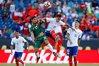 Action photo during the match Chile vs Bolivia at Gillette Stadium Copa America Centenario 2016. ---Foto  de accion durante el partido Chile vs Bolivia, En el Estadio Gillette, Partido Correspondiante al Grupo - D -  de la Copa America Centenario USA 2016, en la foto: (i)-(d) Marvin Bejarano, Pedro Pablo Hernandez<br /> <br /> --- 10/06/2016/MEXSPORT/PHOTOSPORT/ Andres Pina